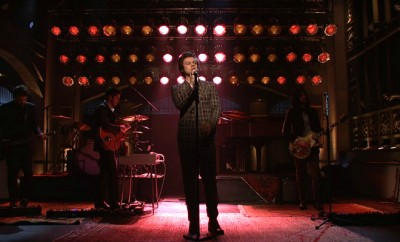 Foto: Harry Styles performing on SNL - Harry Styles Vevo