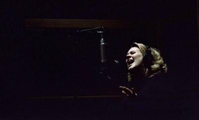 Foto: Adele - Facebook Oficial