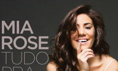 "Foto: Capa do álbum ""Tudo Para Dar"" (2017) - Facebook Oficial de Mia Rose"