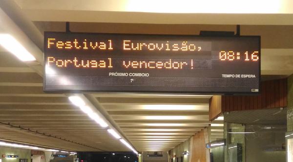 Foto: Metro de Lisboa dá os parabéns a Salvador Sobral - (c) MyWay