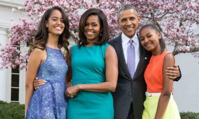Barack e Michelle Obama com a família na Casa Branca
