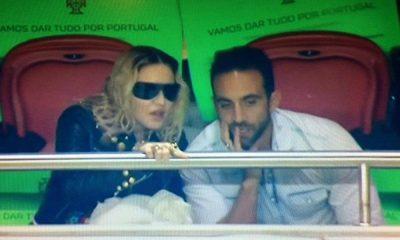 Madonna assiste ao jogo Portugal vs Suíça com um homem mistério