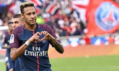 Neymar Jr. no jogo contra Bordéus
