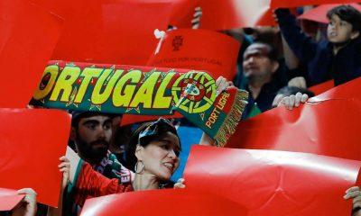 Adeptos festejam a vitória de Portugal