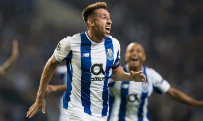 Herrera festeja o primeiro golo do jogo