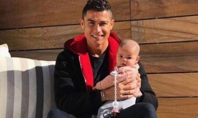 Cristiano Ronaldo com a filha Eva