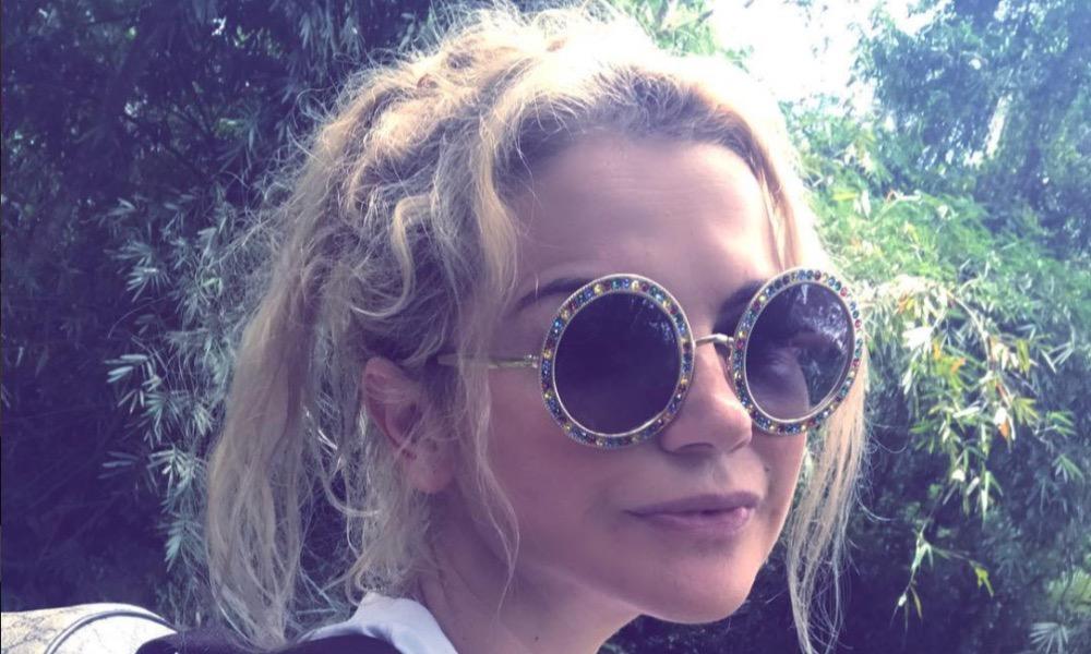 Kátia Aveiro abandonou o cabelo loiro