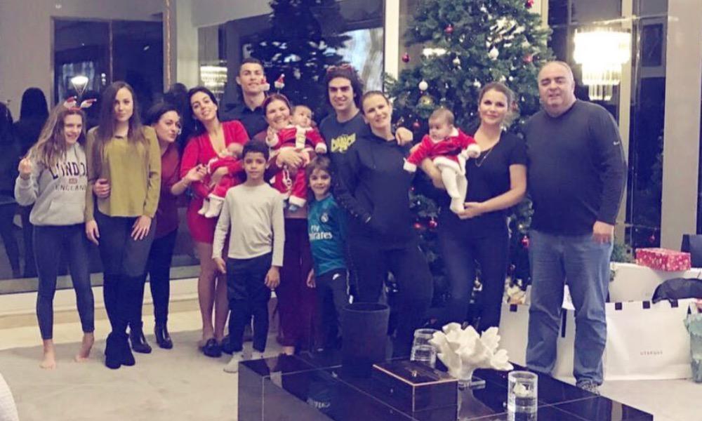 Cristiano Ronaldo com a sua família em Madrid
