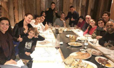 Kátia Aveiro com amigos e família