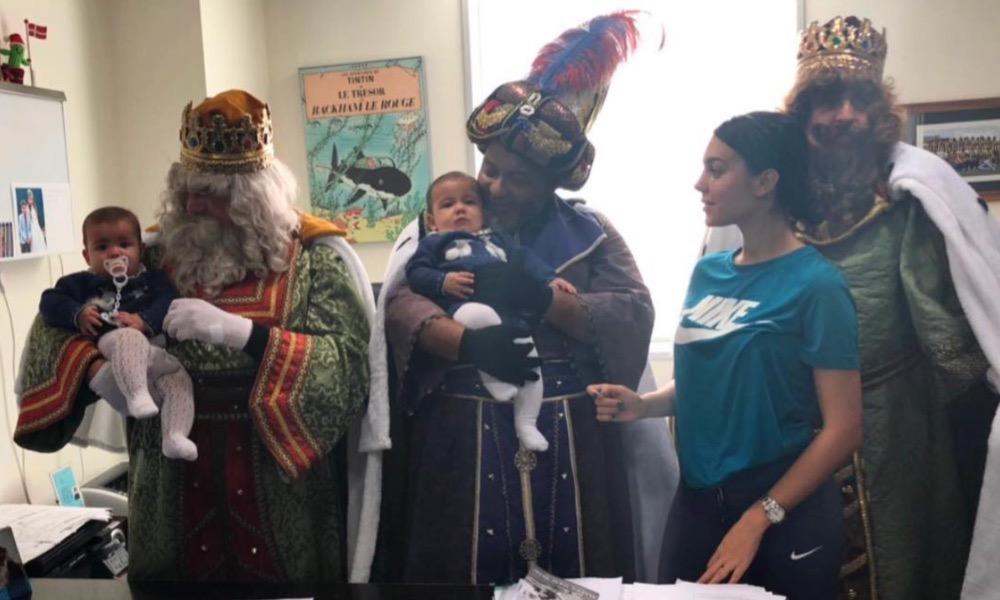 Georgina Rodríguez, Eva e Mateo com os Reis Magos