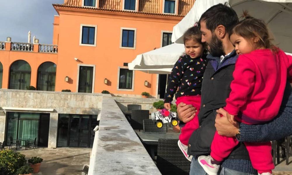 Gonçalo Uva com as duas filhas