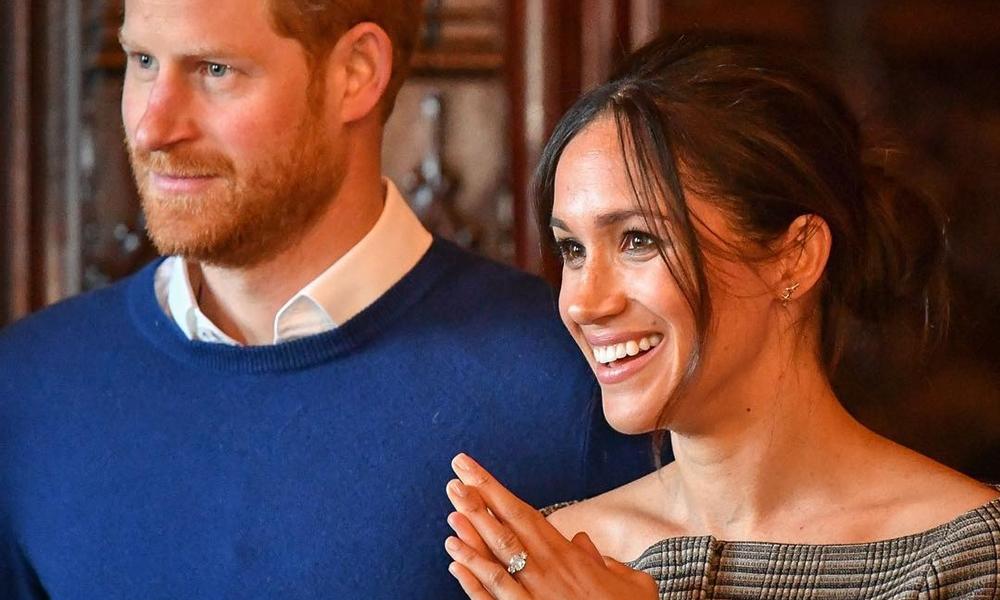 Príncipe Harry e Meghan Markle visitam Cardiff