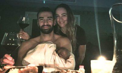 Rui Patrício com a mulher Vera Ribeiro e o filho na passagem de ano