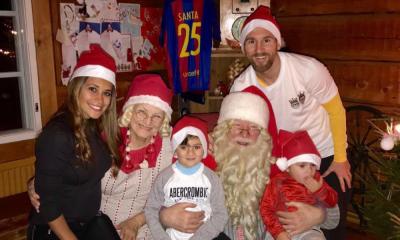 Lionel Messi com a esposa e os dois filhos