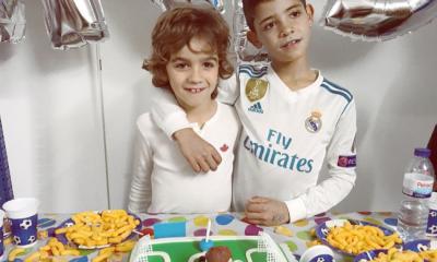 Cristianinho esteve na festa de aniversário de Dinis, filho de Kátia Aveiro