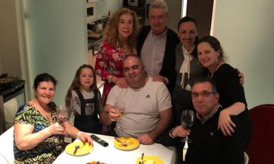 Dolores Aveiro jantou com vários amigos