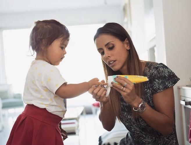 Carolina Patrocínio com a filha Frederica