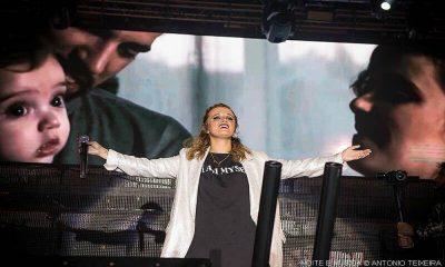 Carolina Deslandes vai distribuir cd's pelo país