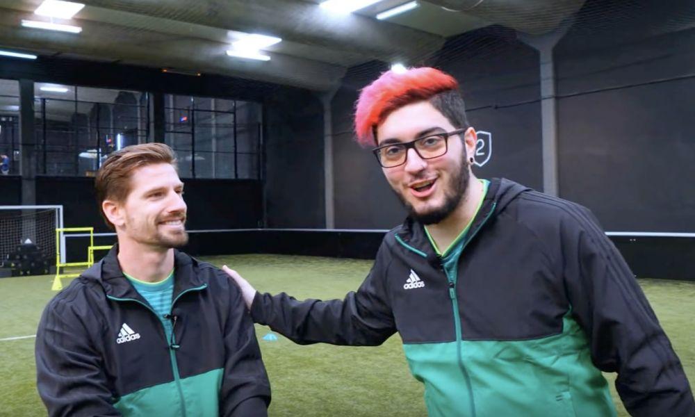 Adrien Silva e Sir Kazzio testaram as novas chuteiras do futebolista