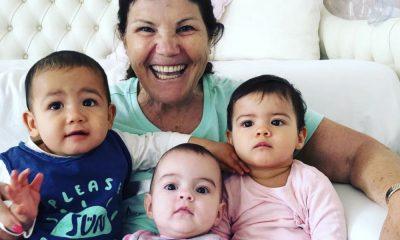Dolores Aveiro na companhia dos netos Eva, Mateo e Alana Martina
