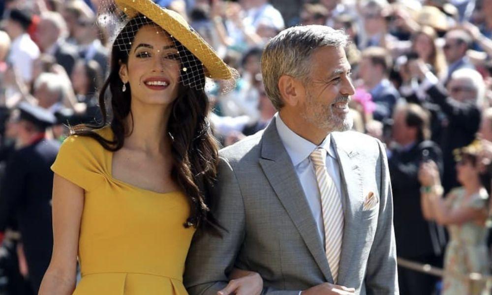 George Clooney e Amal na chegada ao casamento real