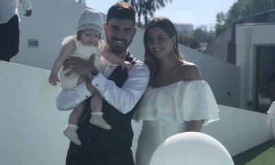 Rúben Neves com a filha e a namorada no dia do batizado