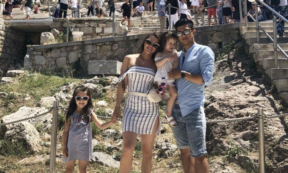Fredy Montero com a mulher e as duas filhas