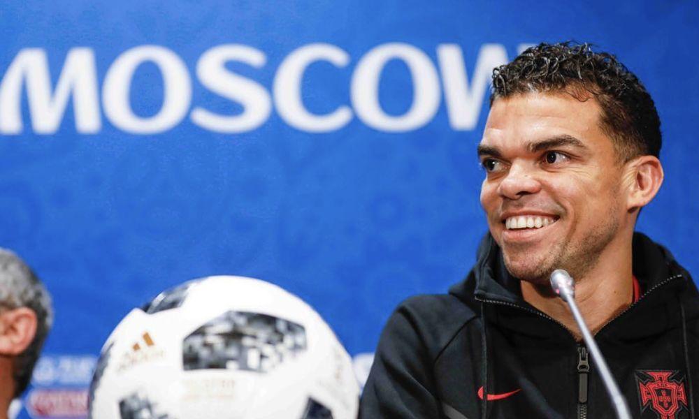 Pepe numa conferência de imprensa no Mundial 2018