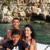 Georgina Rodríguez ao lado de Cristiano Ronaldo e Cristianinho
