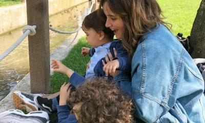 Carolina Deslandes na companhia dos dois filhos: Santiago e Benjamim