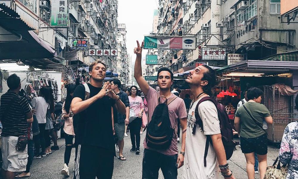 DAMA descobrem as ruas de Macau na véspera do primeiro concerto na Ásia