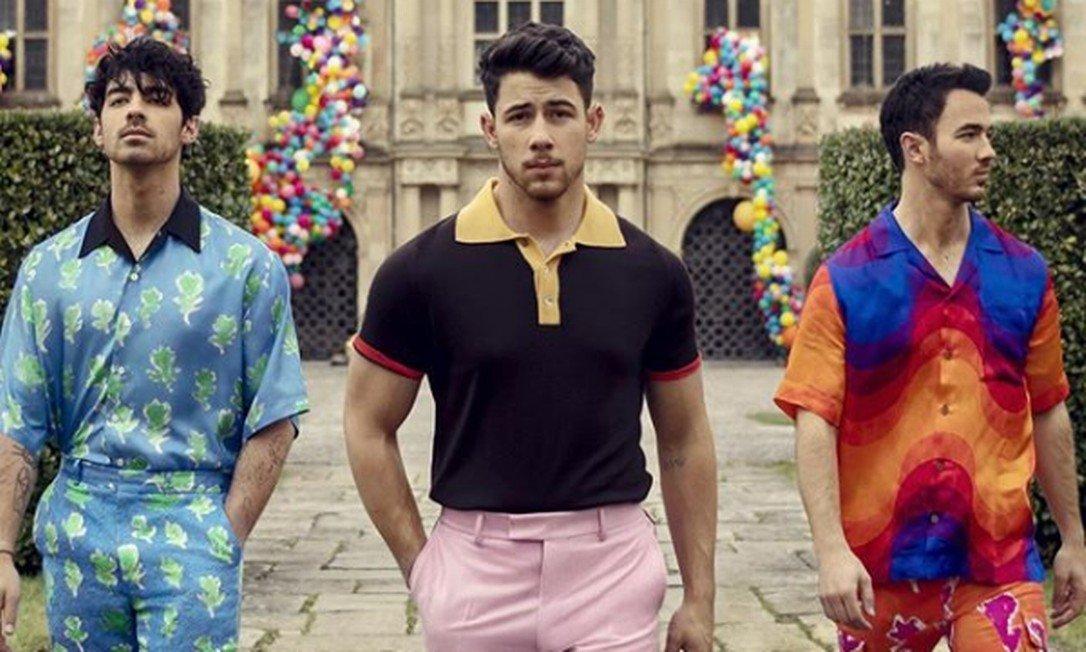 Jonas Bothers lançam novo disco